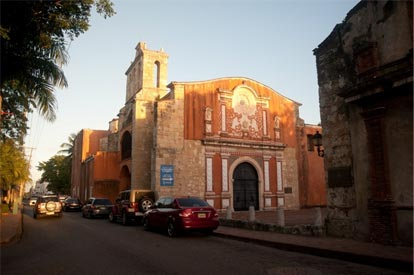 Figuras 1 y 2. La calle Padre Billini