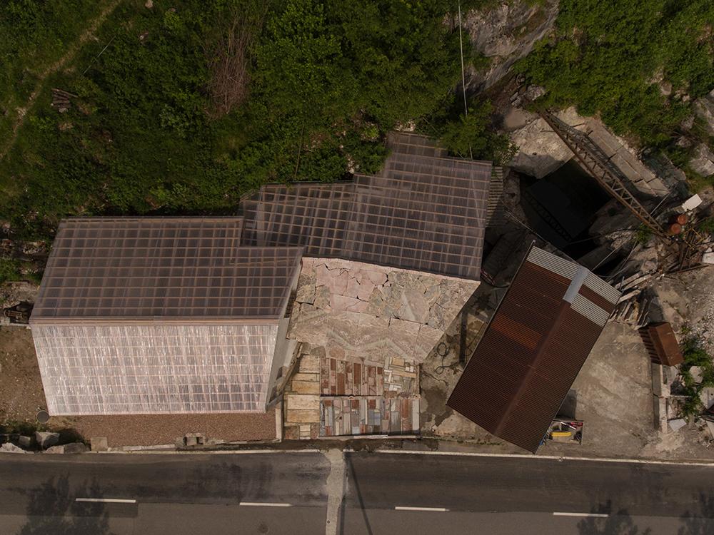Figura 10. Cubiertas y exterior del taller. Foto: A. Canepa.
