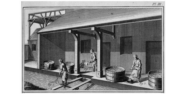"""Figura 13: Herramientas de curtido recuperadas. El mobiliario urbano """"polinizador""""."""