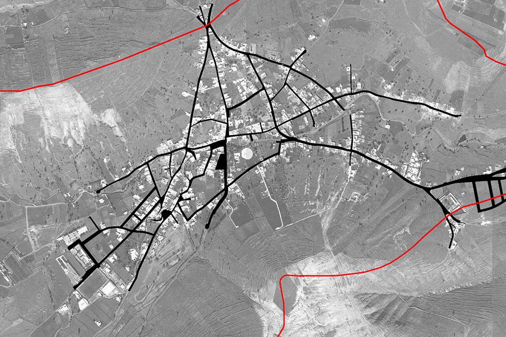 Figura 14. Viario existente, a la izquierda y nuevas vías propuestas, en rojo, a la derecha.