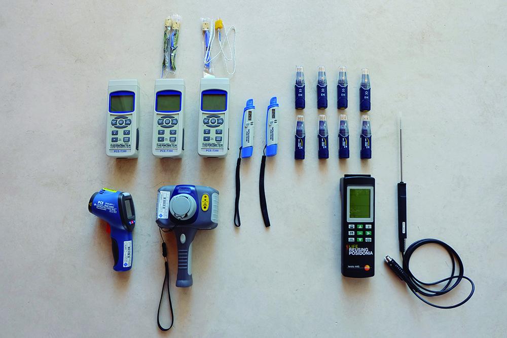 Figura 24: Instrumentos de monitorización. Dataloggers PCE-TD 60 y PCE-HT71N, sondas térmicas, cámara térmica, termómetro digital y anemómetro TESTO 445.