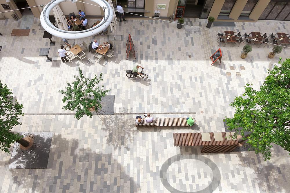 Figura 2. Vista desde arriba del estado reformado de Bahnhofstrasse. Fotografía: Clemens Franke