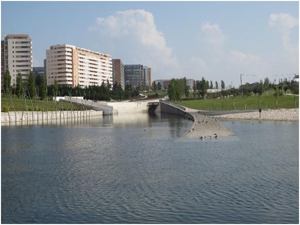 Figura 7. El lago. Parque Oeste Val Grade Lisboa, 2011. Foto: Isabel Aguirre.