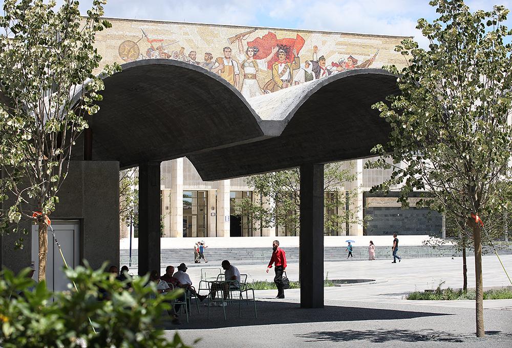 Figura 8. Vista del acceso al Museo Histórico Nacional. Fotografía: © Filip Dujardin.