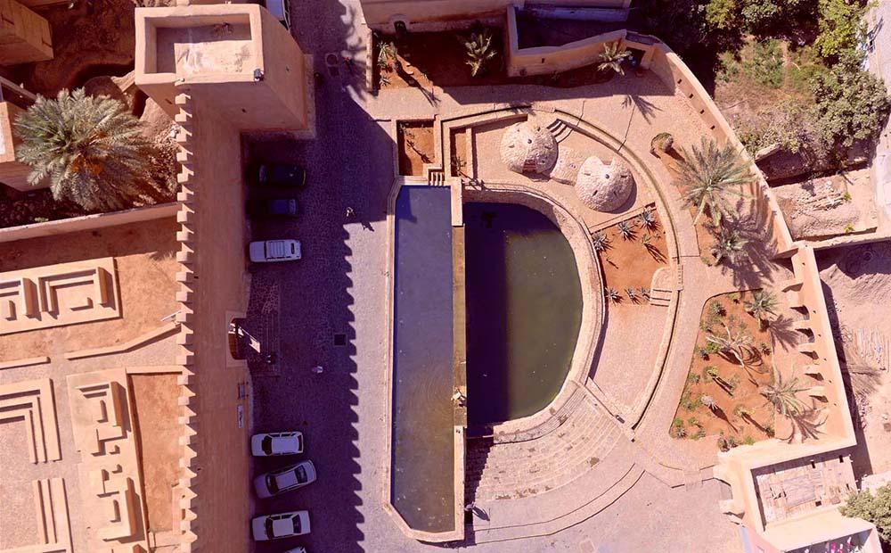 Figure 6 : Vue zénithale de la Source filmée par drone. Mehdi Bensid ©.