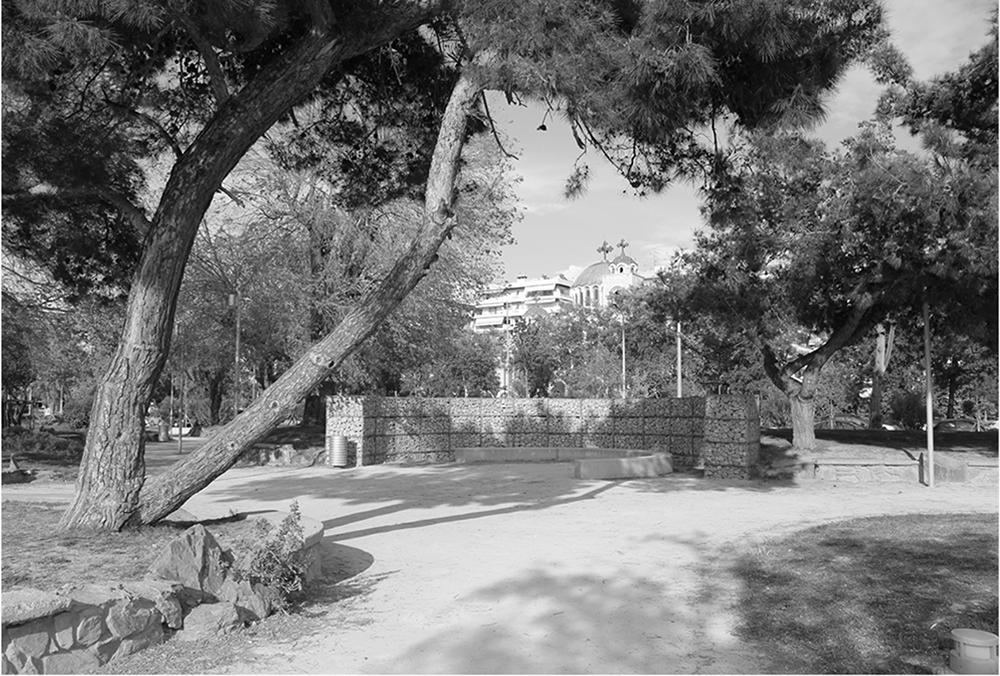 Figuras 31 y 32. Vistas interiores del Jardín del Mediterráneo. Imagen izquierda de Prodromos Nikofiridis. Derecha de Bernard Cuomo.