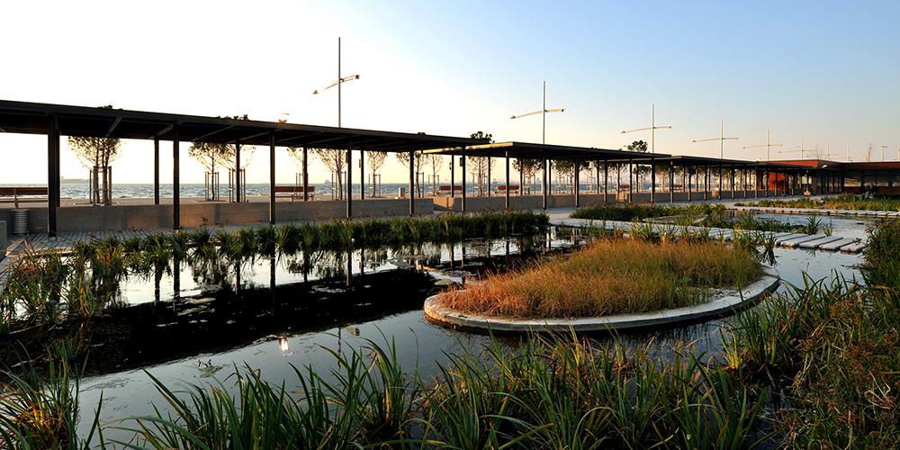 Figura 47. Vista interior del Jardín de Agua. Foto de Yiorgis Yerolympos.