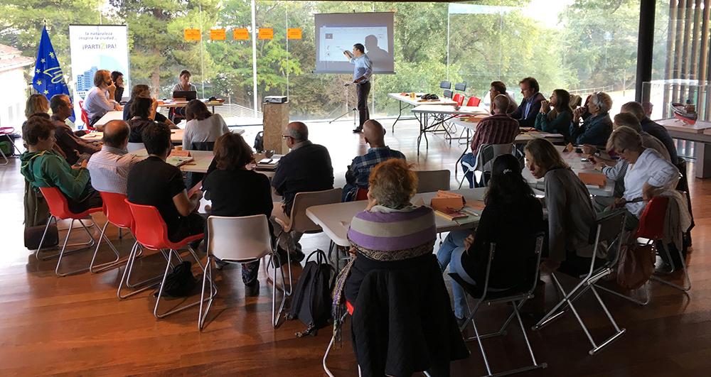 Figura 9. Sesión del proceso de Participación Ciudadanaen el Centro Ambiental Ebro. (Fuente: Ayuntamiento de Zaragoza)
