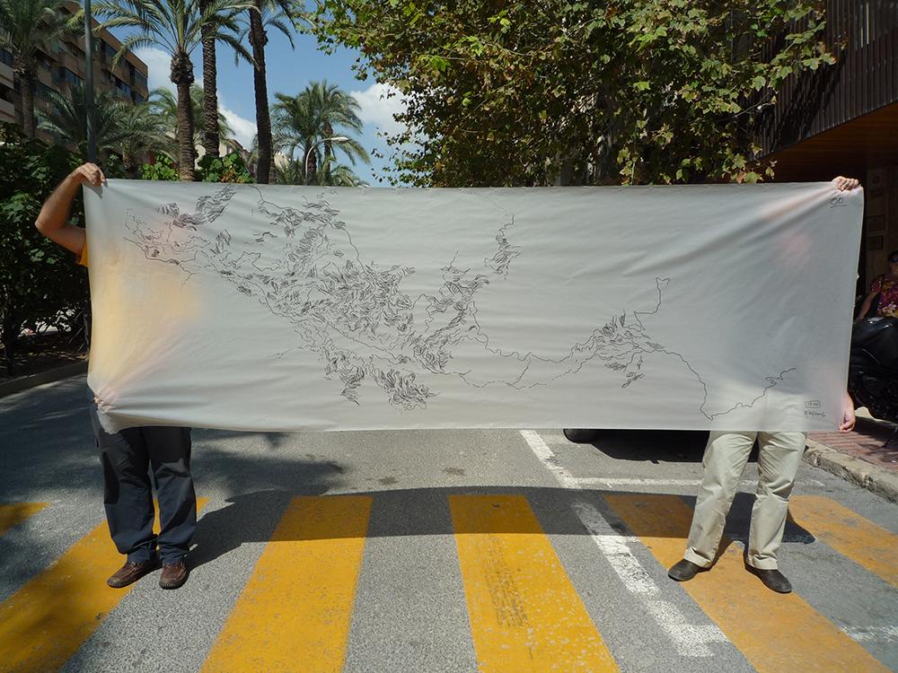 Figura 14. Los bancales de la Vall de Guadalest llegan al centro de Alicante. Instalación urbana incluida en la publicación inédita de los talleres pH , 2009.