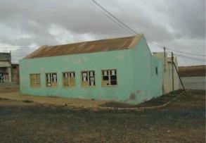 Figura 23.Colegio de Estância de Baixo (izquierda) Figura 24. Trama urbana de Estância de Baixo (derecha)