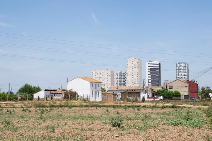 Figuras 4 y 5. A la izquierda, Unidad de paisaje 1. Sant Jordi. Zona de huerta periurbana. Producción propia (2017). A la derecha, de paisaje 7. Parque Natural de La Albufera. Producción propia (2017)